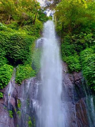 Waru Waterfall